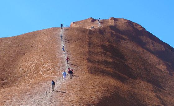 Faut-il monter sur Uluru 2