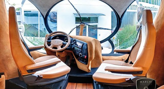 Marchi Mobile inside 2 vans insolite australie