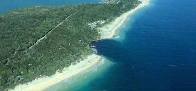 Un gigantesque trou d'eau aspire un camping sur la Sunshine Coast