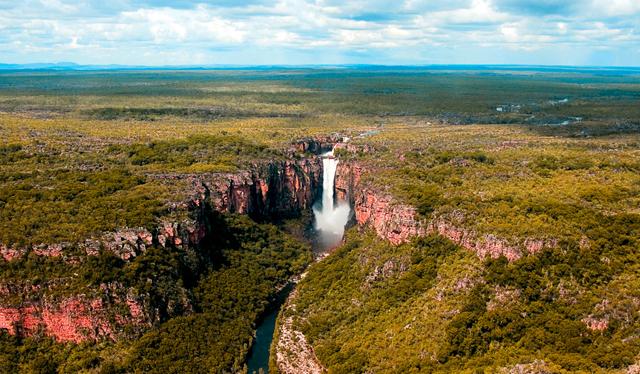 www.australiantraveller.com