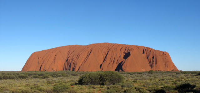 uluru   son ascension sera interdite  u00e0 partir d u0026 39 octobre 2019