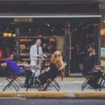 Devenir serveur en Australie : vocabulaire & expressions à savoir