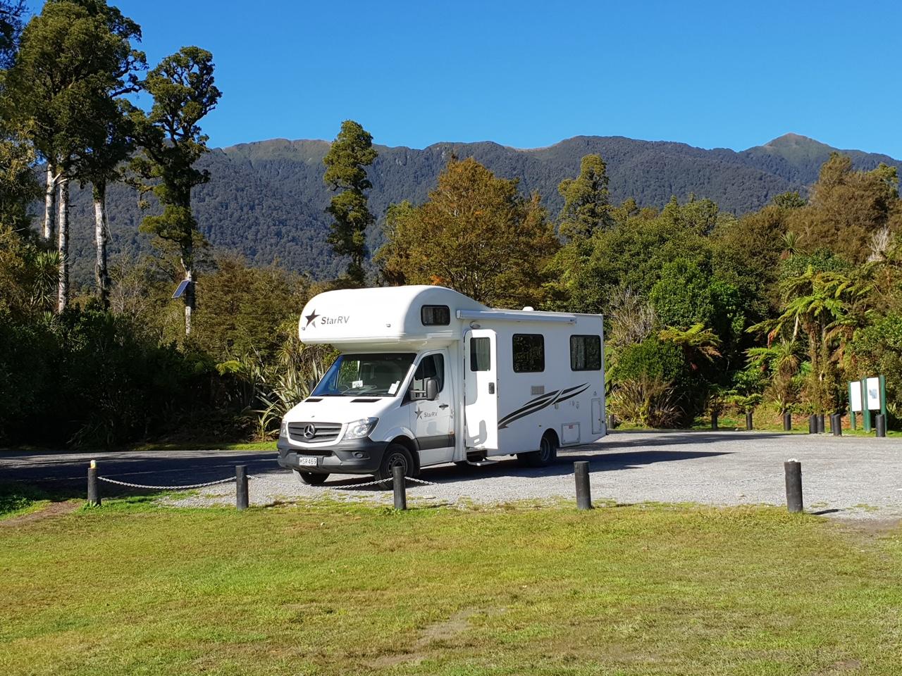 quels quipements choisir pour une location de camping car. Black Bedroom Furniture Sets. Home Design Ideas